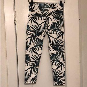 NWOT DYI leaf print leggings